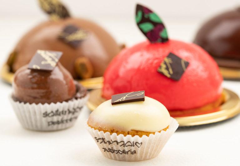 Bavaresi monoporzioni e mignon ai gusti di cioccolato, vaniglia e fragola